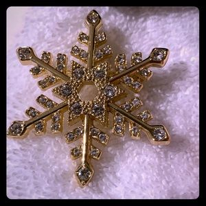 Jewelry - Gold Rhinestone Snowflake pin or pendant